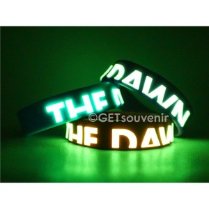 Gelang Karet Custom Tulisan Glow In The Dark Motif Timbul 1000pcs