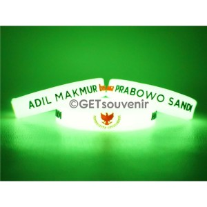 Gelang karet glow in the dark custom desain motif timbul 200-300pcs
