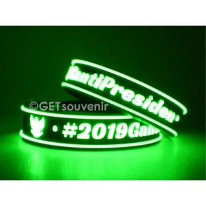 Gelang karet kancing tulisan glow in the dark custom desain 500pcs