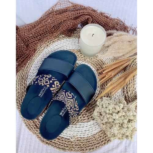 Foto Produk Sandal Casual Wanita by Welvaart - WW strips 2 batik Navy dari welvaart sandalen