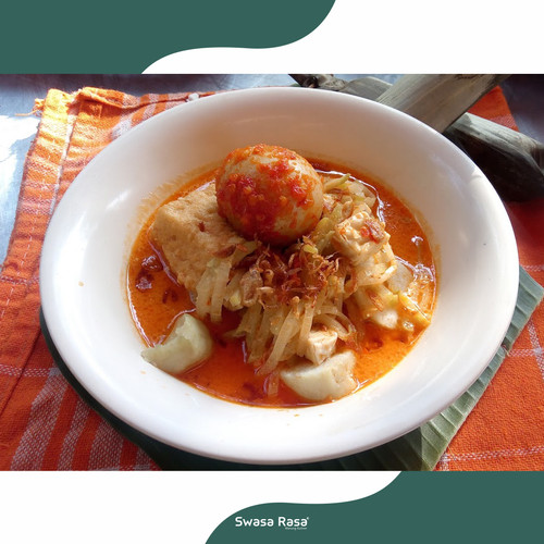 Foto Produk Lontong sayur + Telur balado dari SwasaRasa