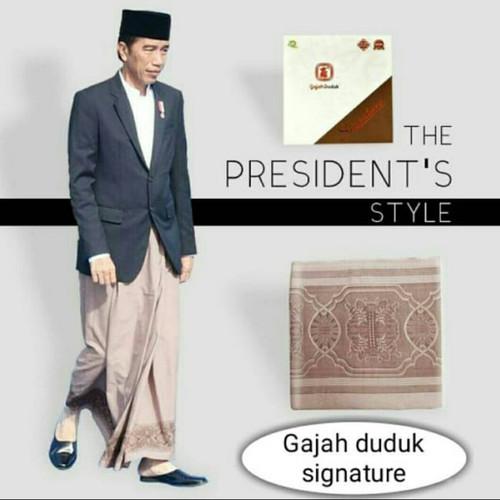 Foto Produk sarung gajah duduk signature limited edition president dari siti rohana