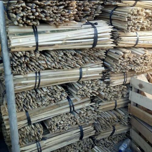 Foto Produk lanjaran bambu,,untuk penyangga pohon panjang 100-150cm isi 20 btng dari enny taman
