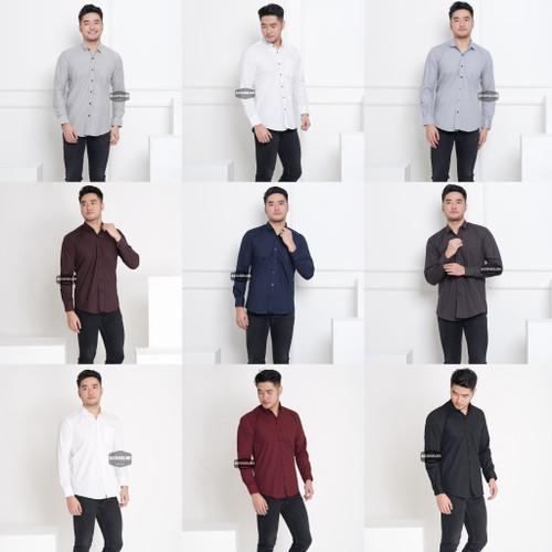 Foto Produk Baju Kemeja Lengan Panjang Pria Polos Big Size XXL Jumbo Aneka Warna - Hitam, XXL dari ago helmi shop