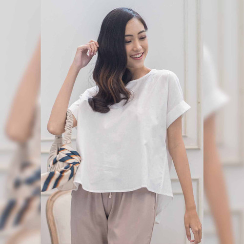 Foto Produk Savy Blouse Beatrice Clothing - Blouse Wanita - White dari Beatrice Clothing