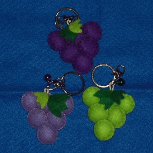 Foto Produk Gantungan Kunci Grape (GK01) dari Flanel Cantik
