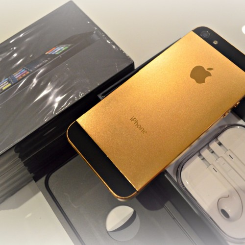 Foto Produk APPLE IPHONE 5 64GB BLACK GOLD SPESIAL EDITION GARANSI 1 TAHUN dari Maya Grosir Gadget Shop