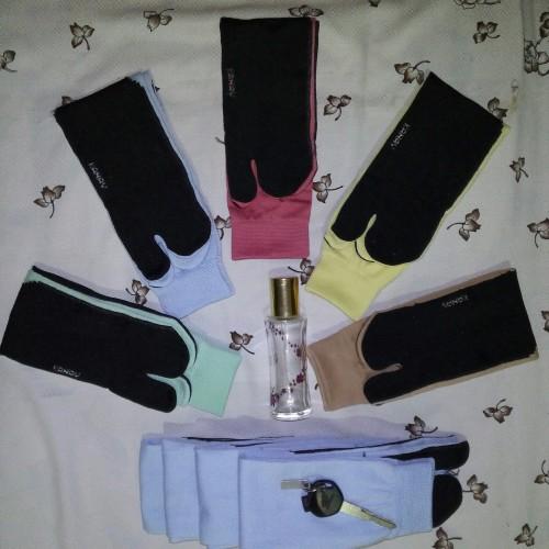 Foto Produk kaos kaki jempol telapak hitam warna warni GROSIR dari lancar usaha jaya