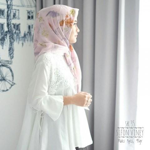 Foto Produk jilbab segiempat//hijab//fine/ poly cotton//pink sk35 dari lil kanaya butik