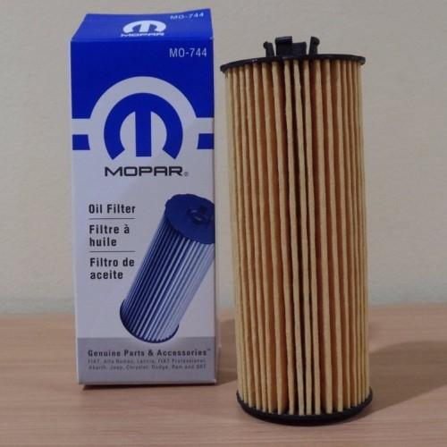 Foto Produk Saringan Oli JK 3.6cc/ Oil Filter Mopar For Jeep JK Wrangler 3.6cc Old dari PIONIR JEEP