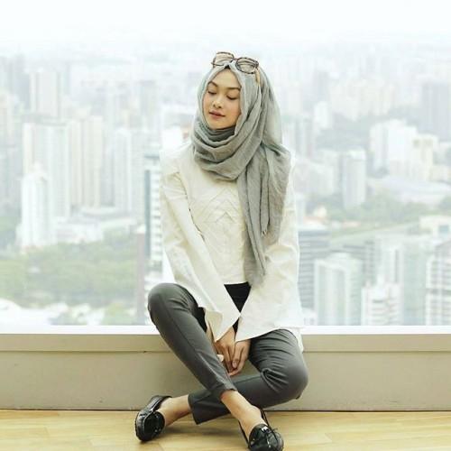 Foto Produk Pashmina kusut Polos Rawis New (Grosir Kerudung/Jilbab Pashmina Murah) dari AYLA Fashion