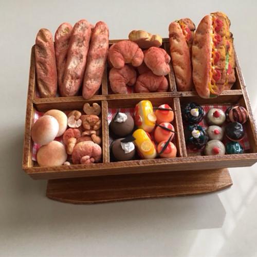 Foto Produk Miniatur clay roti cake display dari Lynlyn