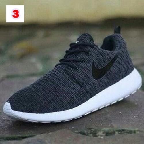 Foto Produk sepatu nike rosherun sneakers pria sepatu running dari PERUGU