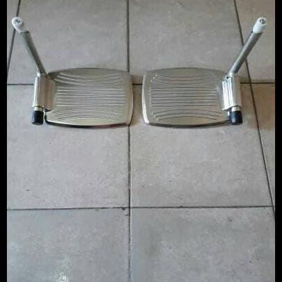Foto Produk Pijakan Kaki Pada Kursi Roda(Jual Satuan)/Dampal/Sperpart dari Elvand Store