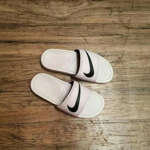 Apto Miguel Ángel lector  Jual Sandal Nike Benassi - Putih, 37 - Mojoroto - Bougenvillenear |  Tokopedia