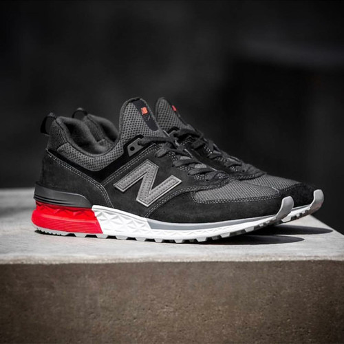 New Balance 574 Sport Blackwhitered