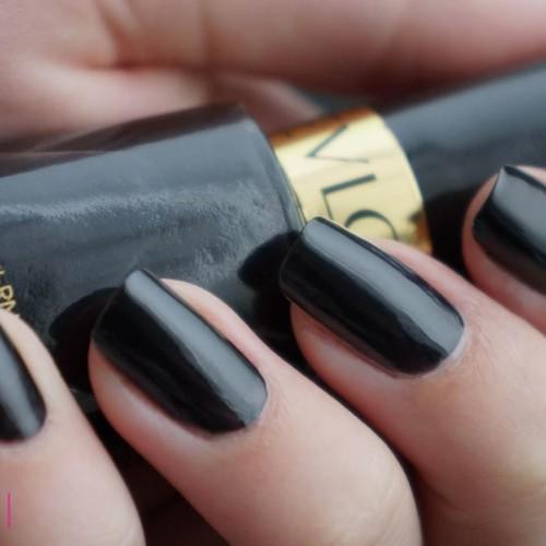 Foto Produk BLACK LINGERIE Kutek Revlon Nail Polish Revlon Nail Enamel 919 dari Pluvio Shop
