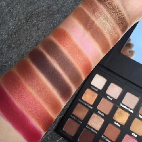 Holy Grail Eyeshadow Palette