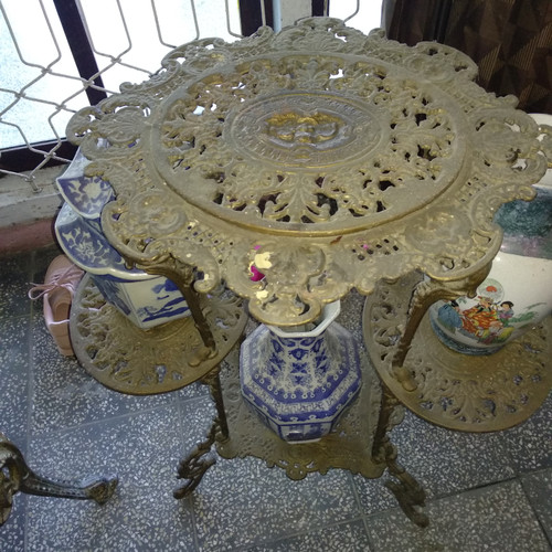Jual meja rak kuningan jaman dulu - Gading Cempaka ...