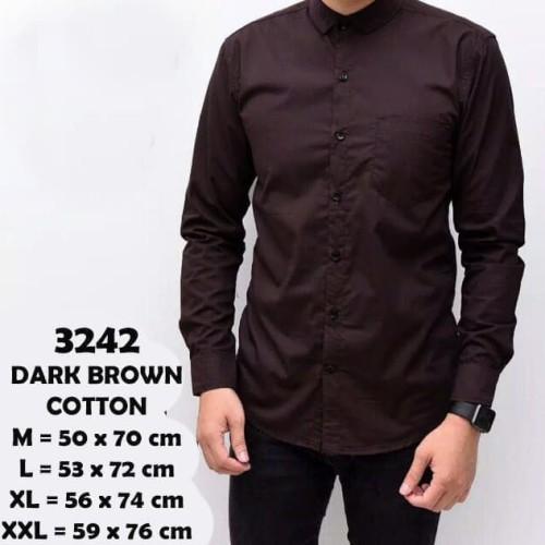 Foto Produk Baju Kemeja Lengan Panjang Casual Pria Dark Brown Polos Slimfit 3242 - Cokelat, M dari Virtual Custom Clothing