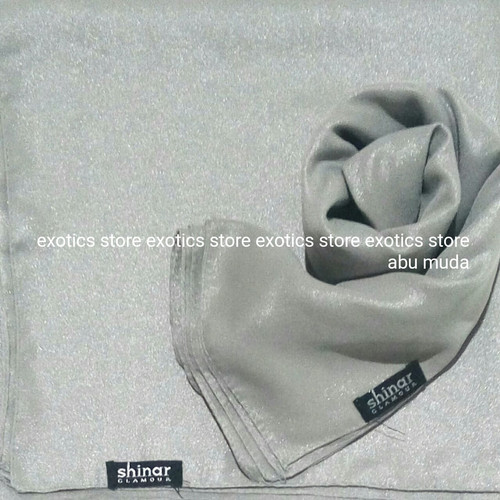 Foto Produk Jilbab Segiempat Shinar Glamour Katun Shimmer Ansania Square ABU MUDA dari exotics-store