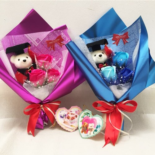 Foto Produk Buket bunga wisuda / Kado wisuda murah / Boneka wisuda 3S+1W dari Onemarketindo