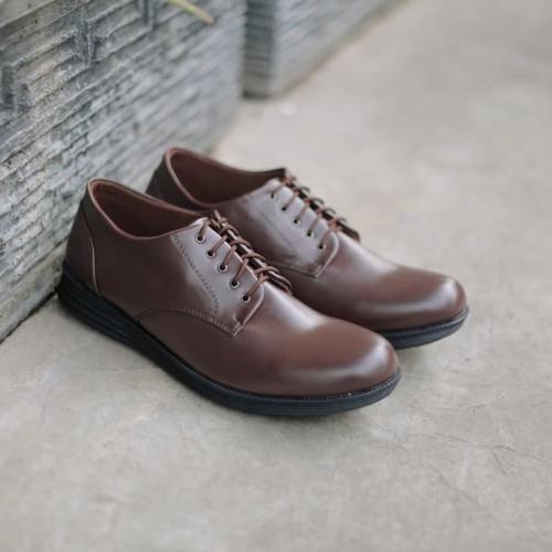 Foto Produk Sepatu Bandung ll Headway Footwear ll Identity Brown dari Golden Glory Footwear