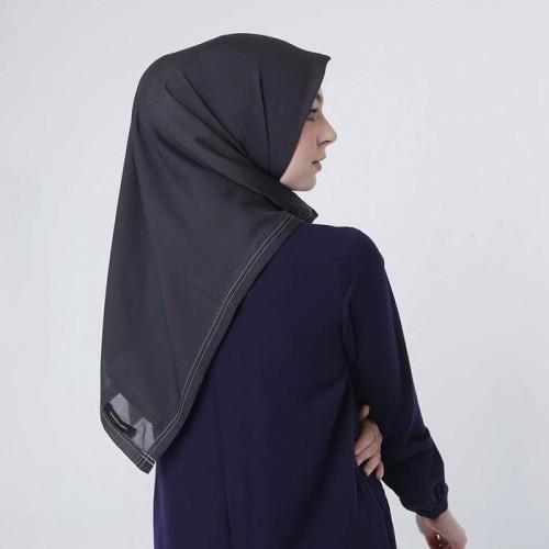 Foto Produk Zoya Kerudung Segi Empat Polos - Nov Scarf Warna Black dari AArriess