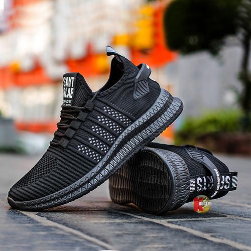 Foto Produk Sepatu Pria Sneakers Impor Slip On A1011 - Hitam, 40 dari KRUGEER