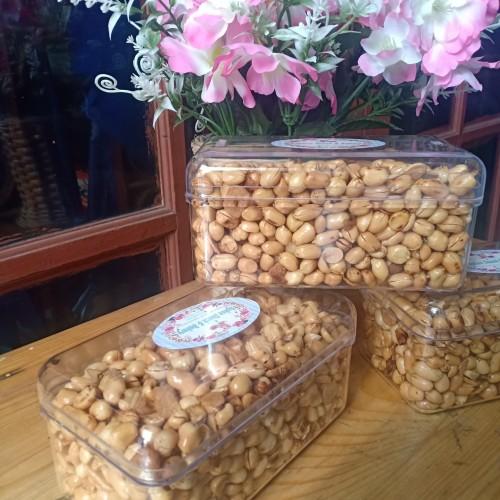 Foto Produk Kacang Goreng Bawang toples 500gr dari DRSukses