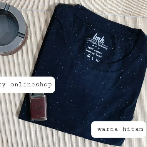 Foto Produk Kaos Polos Distro Oblong Pria Leher Bulat Katun Mambo Bintik U-Neck - S, Putih dari Kerry Onlineshop