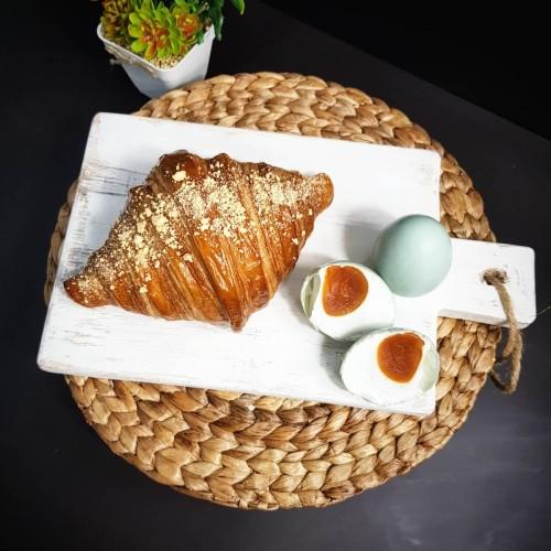 Foto Produk Croissant Don Bakeshop - Salted Egg croissant (Telur asin) dari Don Bakeshop