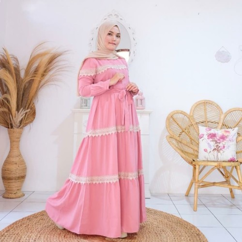 Foto Produk Gamis wolly crepe renda gold(adem.tebal)all size fit to m.L.xL dari Winnie Collection
