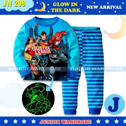 Foto Produk Baju Tidur Piyama Anak Laki JW 210 Glow In the Dark Justice League dari Tokonya Garin&Barra