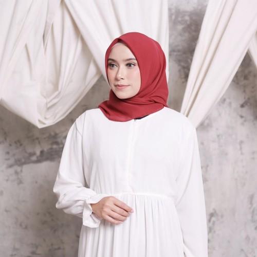 Foto Produk Hijab Ellysha CLOUDY CHIC HIJAB SQUARE MAROON dari Hijab Ellysha Official