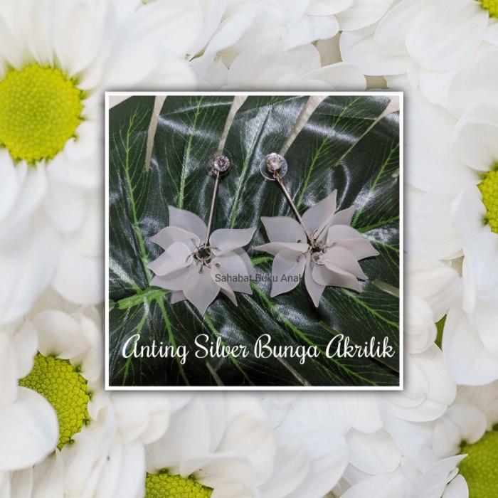 Foto Produk Anting Silver Bunga Akrilik dari Sahabat Buku Anak