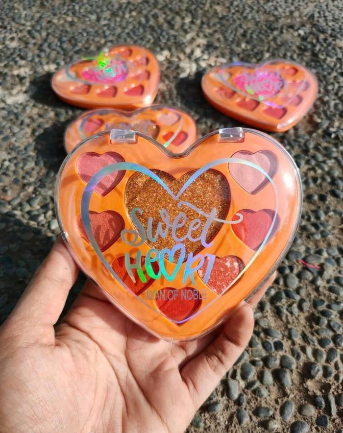 Foto Produk IMAN OF NOBLE SWEET HEART EYESHADOW PALETTE dari startled.id