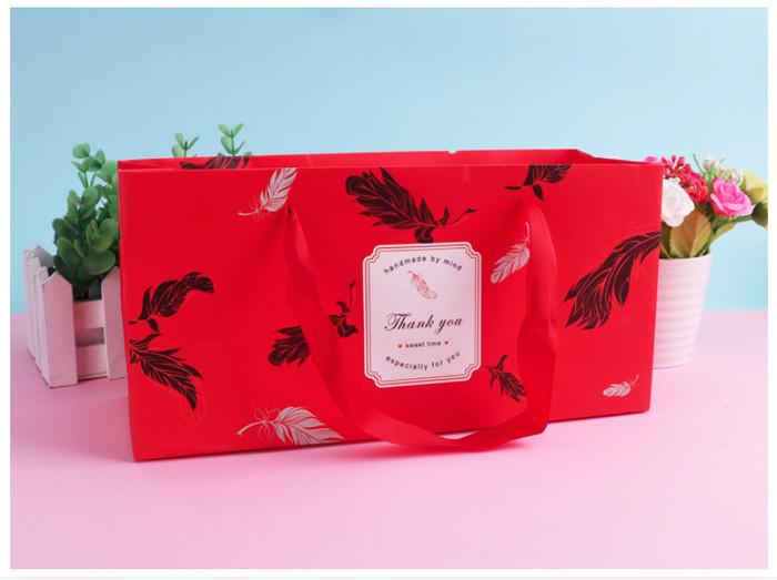 Foto Produk kantong merah daun, kantong bunga , kantong hadiah , kantong unik dari KAYO