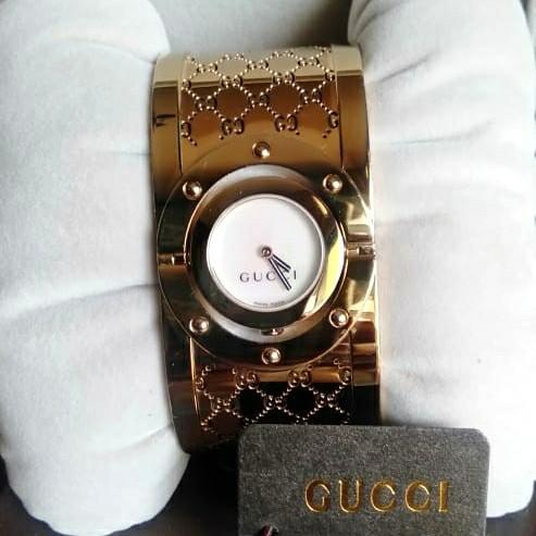 Foto Produk Gucci Bangle Stainless Gold. Gucci Twirl dari Laristie