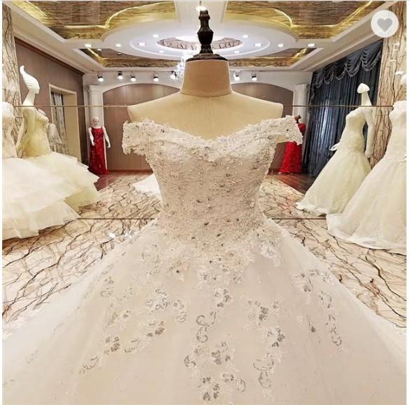 Jual Crystal Yarn White Color Luxury Ball Gown Princess Wedding Dress Bride Putih Kota Tangerang Gaunwedding Com Tokopedia