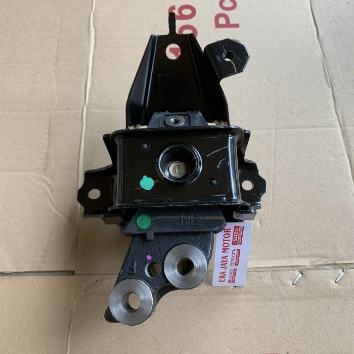 Foto Produk Engine mounting kanan sigra 1000cc original dari era jaya motor