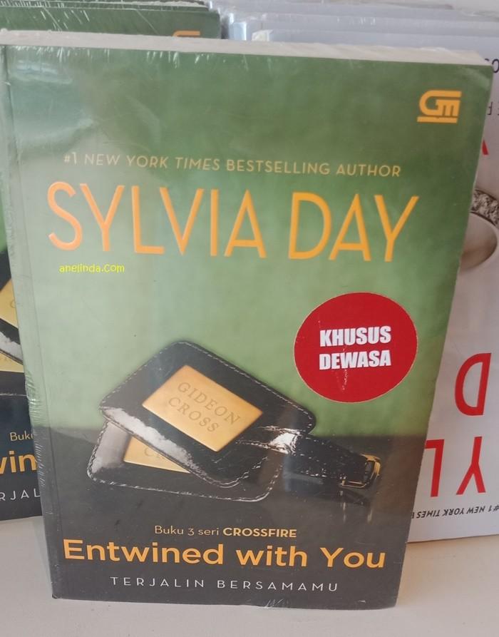 Foto Produk ENTWINED WITH YOU - TERJALIN BERSAMAMU (KARYA SYLVIA DAY) dari Anelinda Buku Klasik