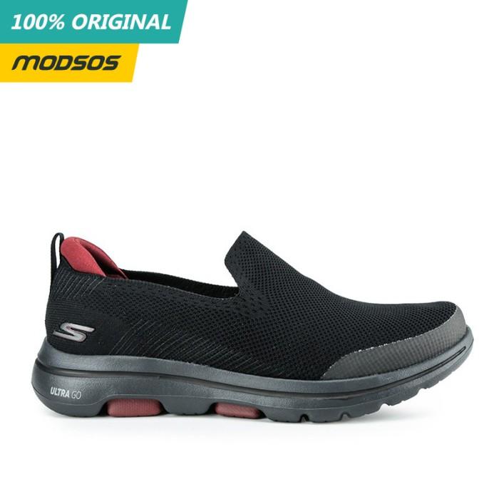 Foto Produk Sepatu Slip On Pria Skechers Go Walk 5 Black Red Original dari Modsos