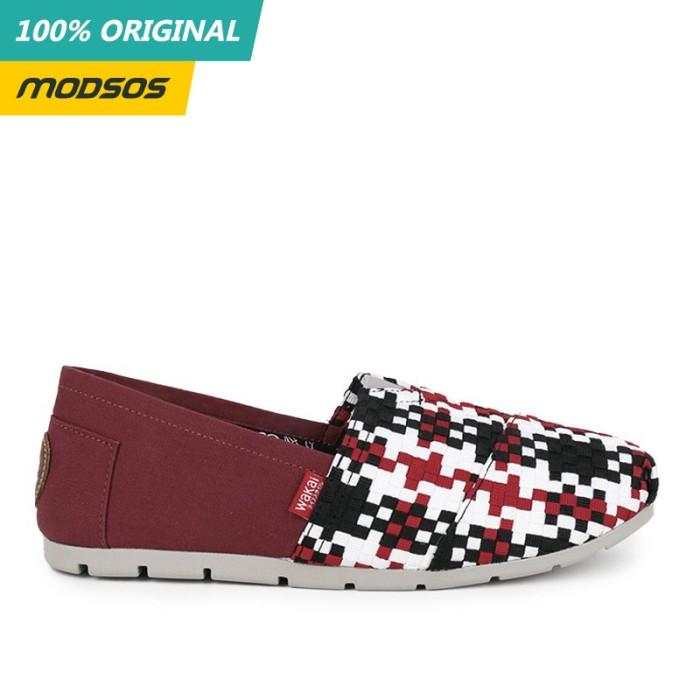 Foto Produk Sepatu Slip On Pria Wakai Core Tone Red Original dari Modsos