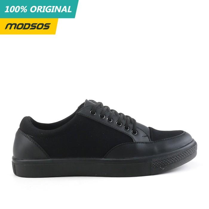 Foto Produk Sepatu Sneakers Pria Yongki Komaladi 211 Original dari Modsos