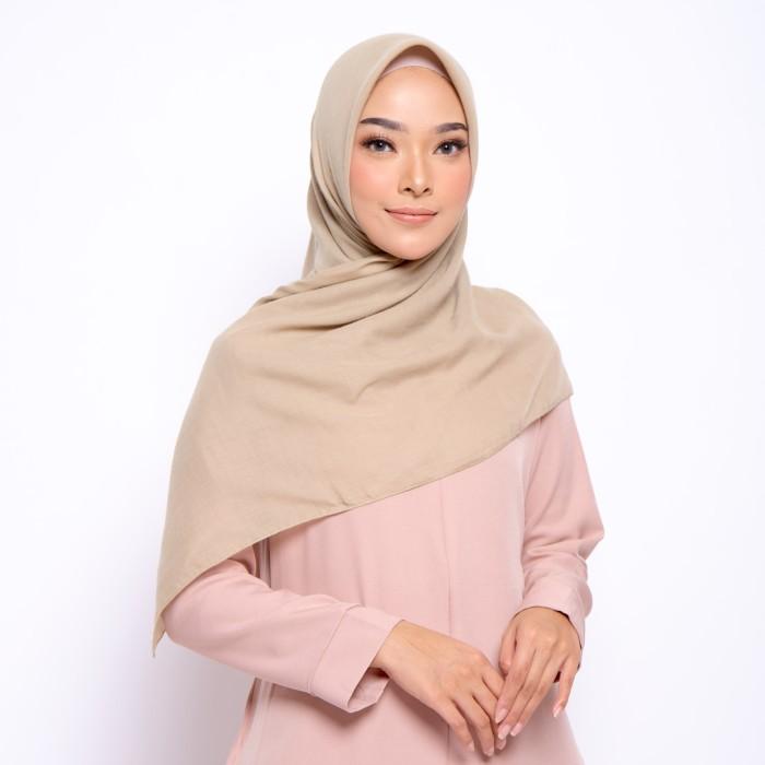 Foto Produk ZM Zaskia Mecca - Sadi Khaky Hijab Kerudung Segi Empat dari Zaskia Mecca Official