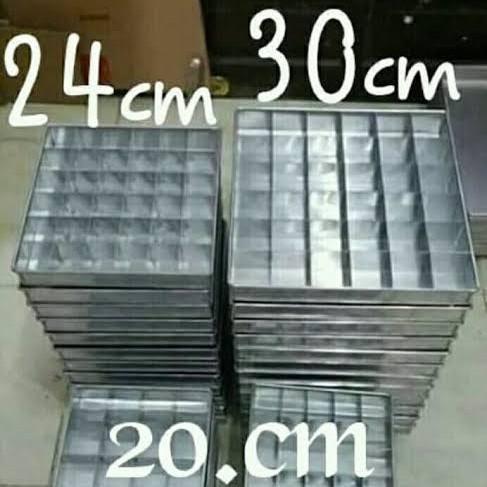 Foto Produk Loyang sekat brownies - 1set 20x20 25lb dari Bogor Market