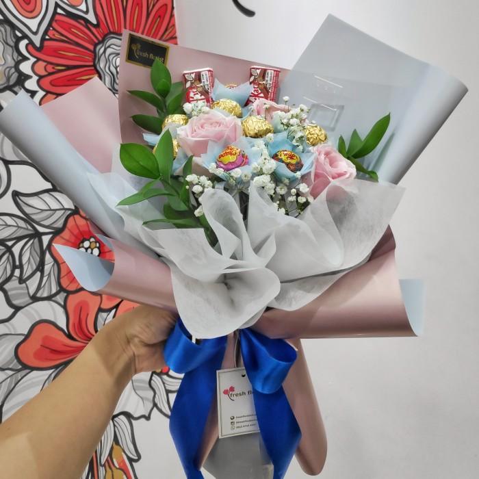 Jual Hand Bouquet Buket Bunga Wisuda Bouquet Coklat Bunga Mawar Candies Jakarta Pusat Fresh Florist Tokopedia