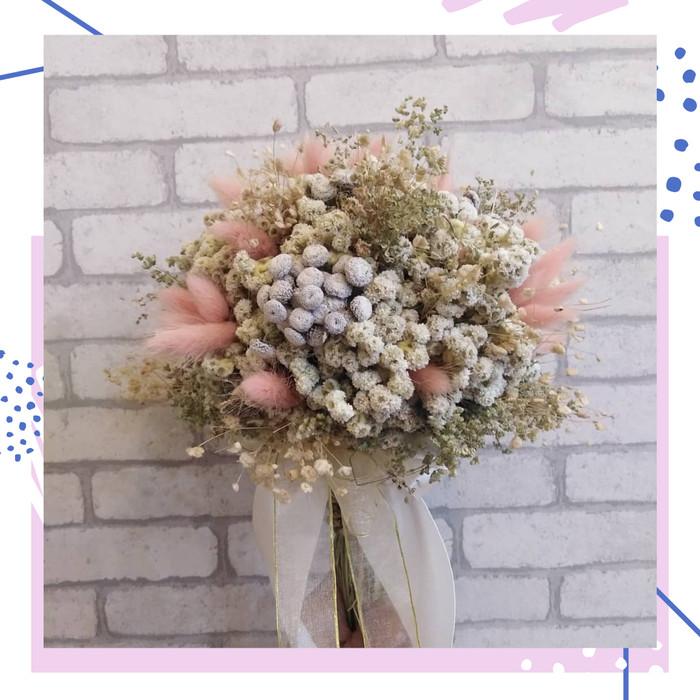 Jual Buket Bunga Wedding Bunga Edelweis Bunga Kering Hadiah Lamaran Wisuda Kab Bandung Deraya Kosmetik Tokopedia