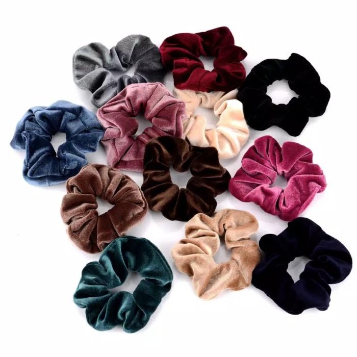 Foto Produk Scrunchies Velvet - Scrunchie Ikat Rambut Kunciran Karet Bludru Lembut dari Candy Lala